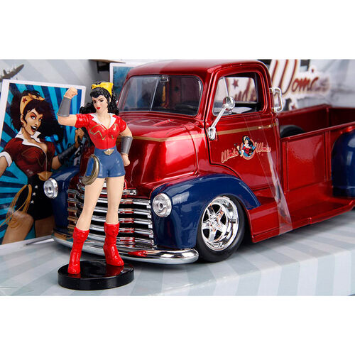Set figurine & voiture en metal Chevy Coe Pickup 1952 Wonder Woman DC Comics